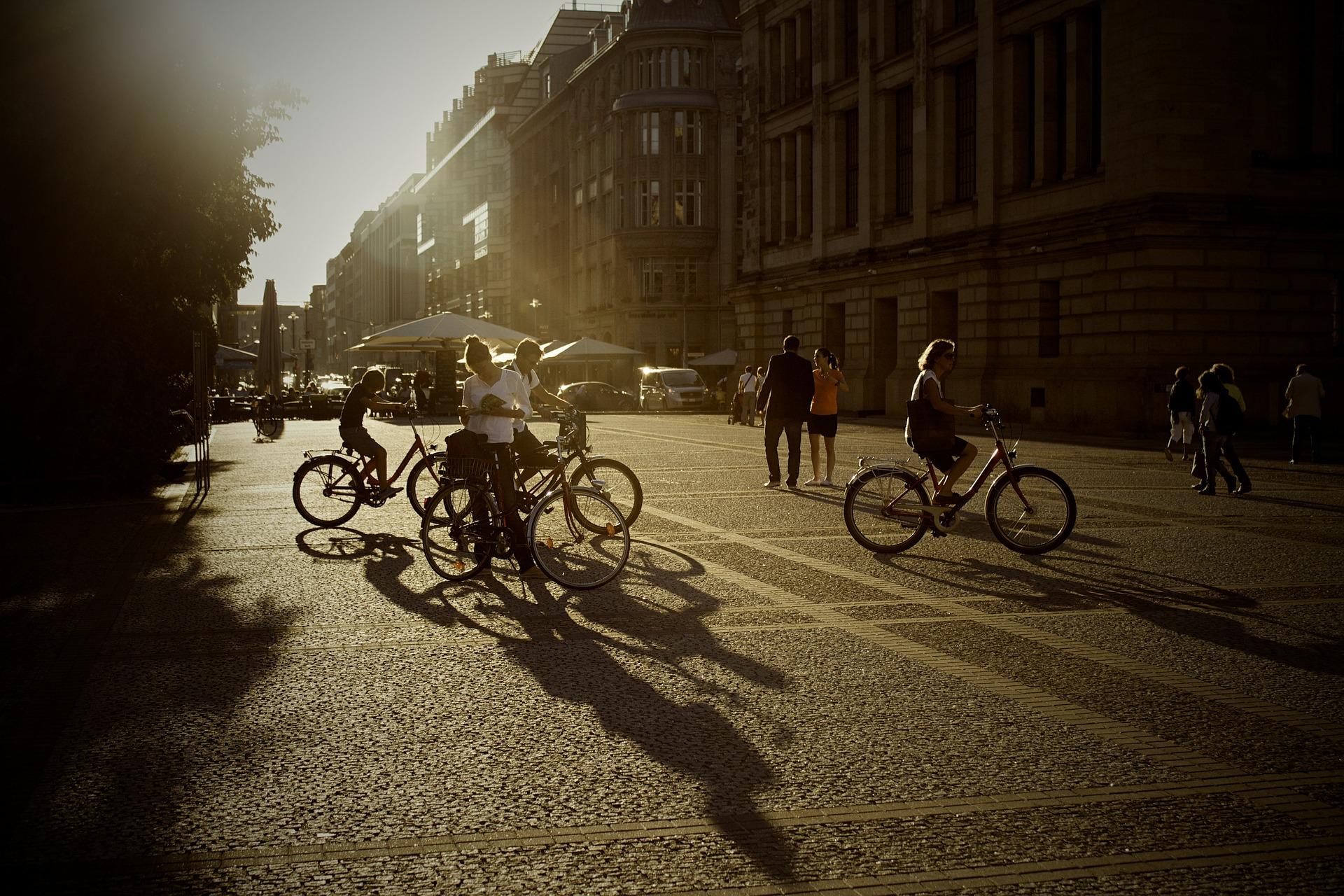 Algunos consejos para circular por ciudad con tu bicicleta o patinete